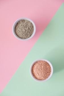 異なる化粧品粘土泥粉末のセット