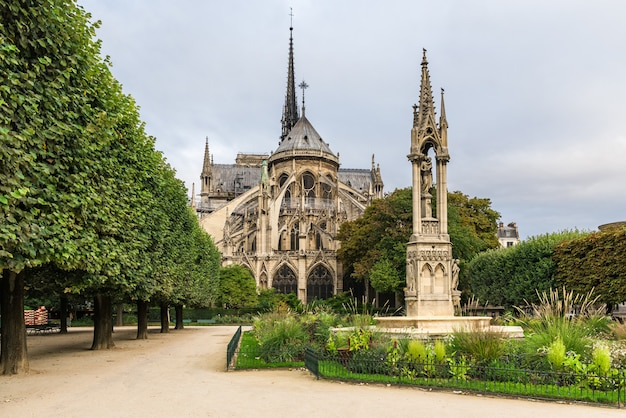 ノートルダムドパリ大聖堂、パリ、フランス