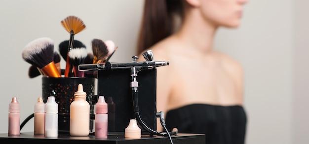 Профессиональные кисти и инструменты для макияжа