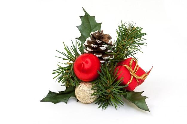 孤立したクリスマス飾り