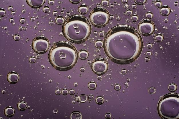 水に油の泡