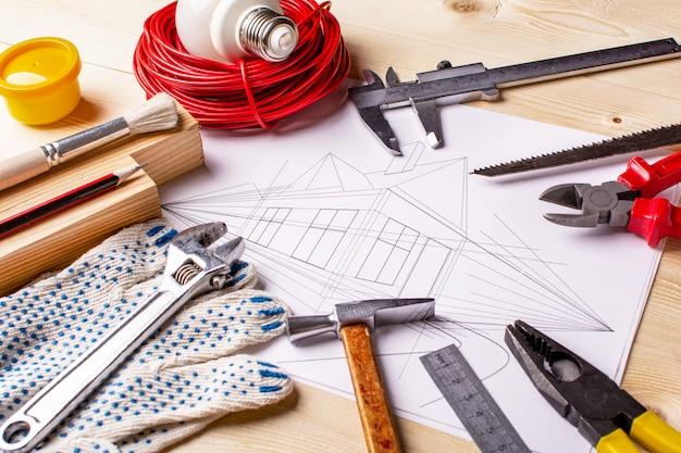 Инструменты для рисования и работы дома