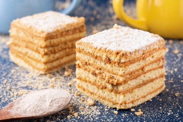 自家製蜂蜜ケーキ