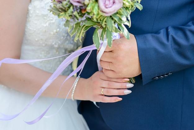 花嫁のブーケ。花嫁のウェディングブーケ。