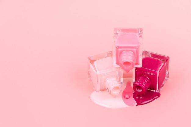 Лаки для ногтей на розовом