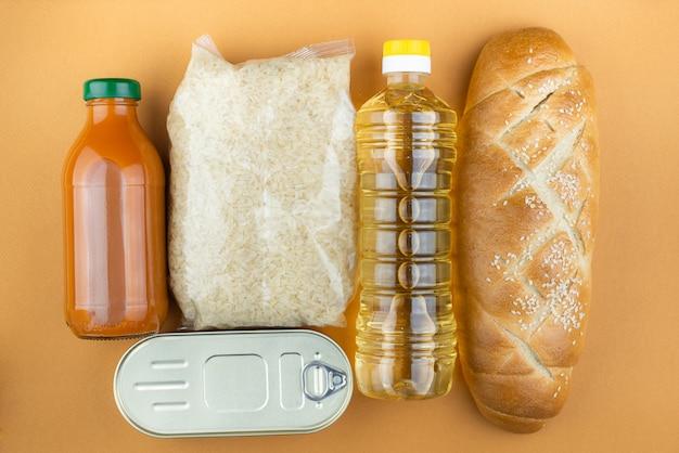 パンとオイルとソースのボトル
