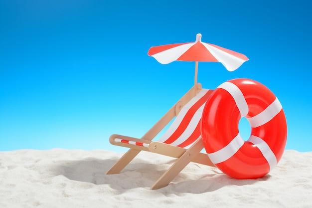 Шезлонг и плавательный круг на пляже
