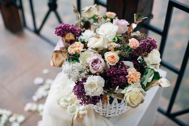 花の美しい結婚式の装飾