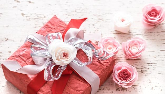 День святого валентина и концепция дня матери, красная подарочная коробка