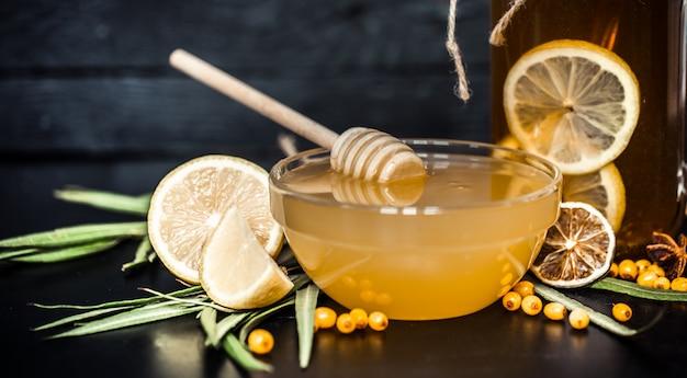 Состав чая с лимоном и медом