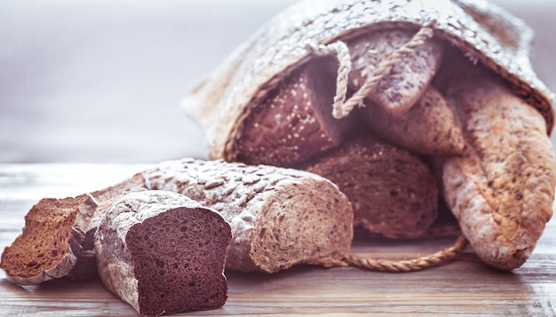 Композиция со свежим хлебом