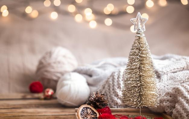 Рождественский праздничный декор натюрморт на деревянный стол