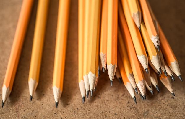 さまざまなグラファイト鉛筆