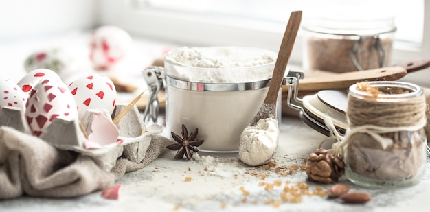Пасхальные кулинарные инструменты и ингредиенты
