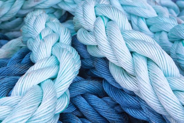 Толстая веревка морской крупный план. абстракция.