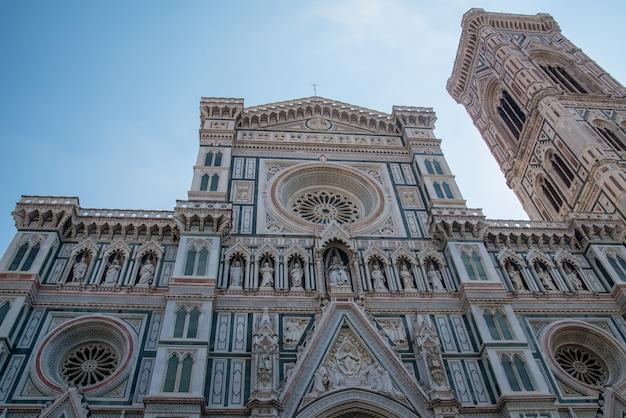 Кафедральный собор санта мария дель фиоре на площади микеланджело во флоренции, тоскана, италия