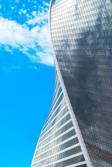 Москва, россия, часть небоскреба