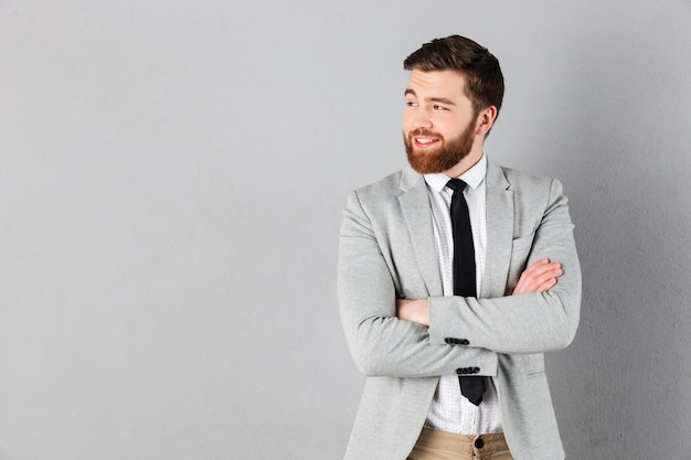 スーツに身を包んだ笑顔の実業家の肖像画