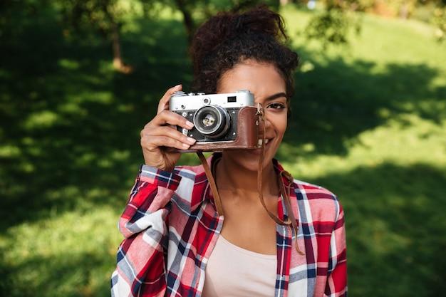 驚くべき若いアフリカ女性写真家