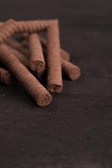 チョコレートワッフルスティックのクローズアップ