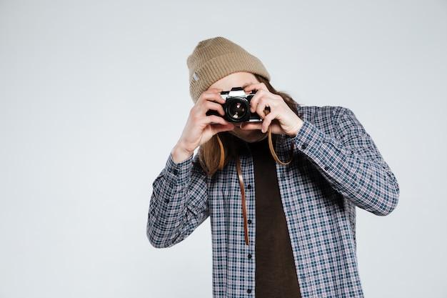 流行に敏感なレトロなカメラで写真を作る