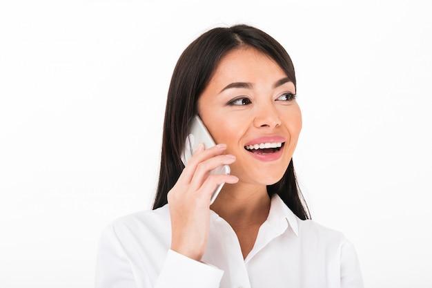 幸せなアジア女性実業家の肖像画を閉じる