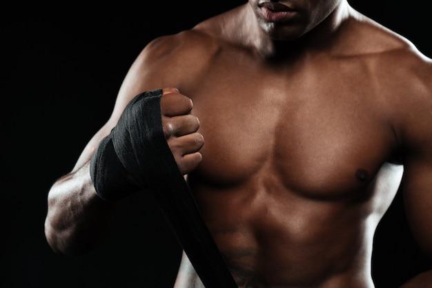 ボクシングの男と戦う準備ができて