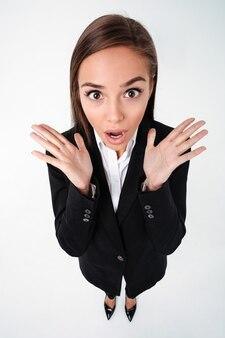 Шокирован удивлен бизнес женщина.