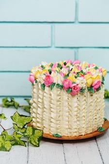 チューリップのケーキ
