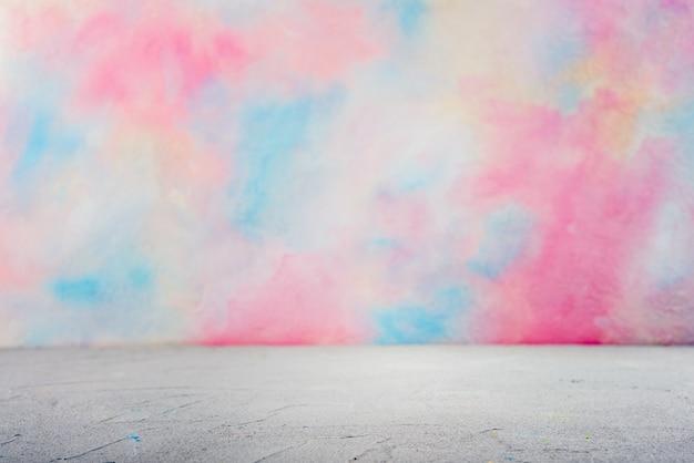 色の水彩画とワークトップ