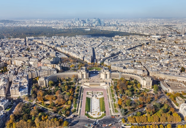 パリのエッフェル塔からの空撮