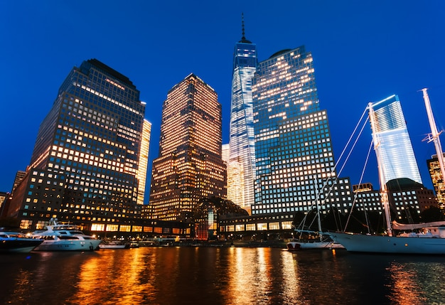 夜の世界金融センター