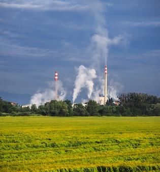 大気へのパイプ排出
