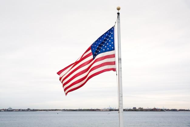 ブリージーポイントのアメリカの国旗