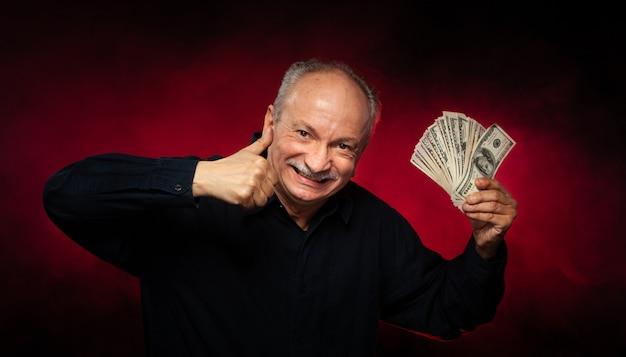 Старик с долларовых купюр