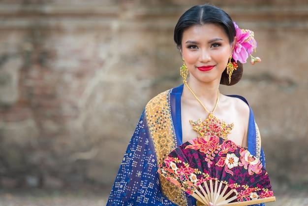 アジアの肖像画の女性