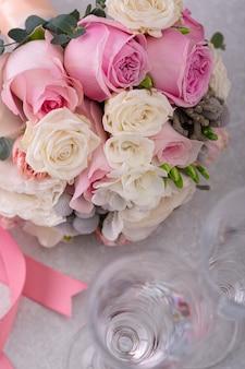 Свадебный букет невесты. винтажное тонированное изображение