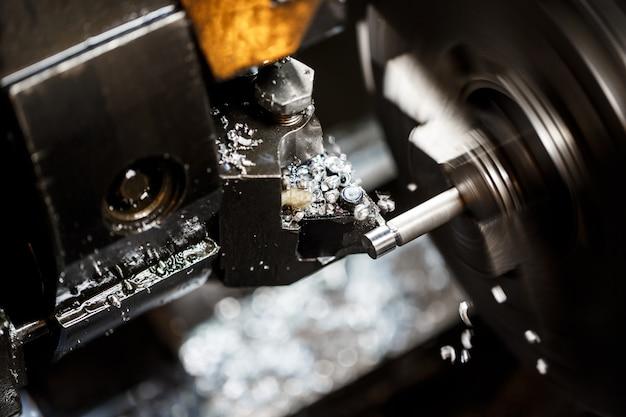 金属加工機のクローズアップ