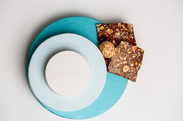 チョコレートと白のボックス