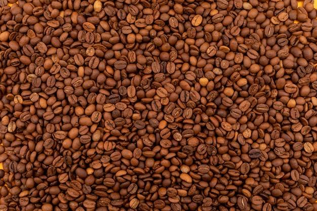 Коричневая поверхность кофейных зерен