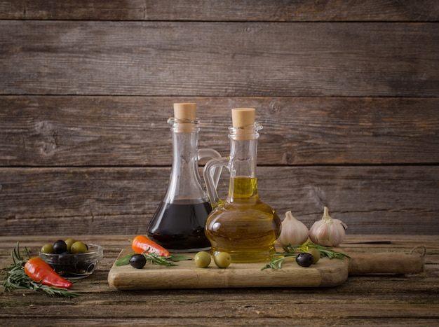 Оливковое масло со специями и другими ингредиентами