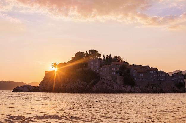 モンテネグロ、ブドヴァのスヴェティステファン島