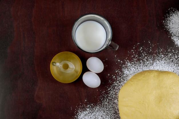 Приготовление домашней закваски с маслом, яйцами и молоком