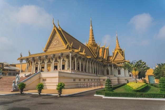 プノンペン、カンボジア、アジアの王宮の外観
