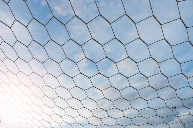 フットボールネットと青い空