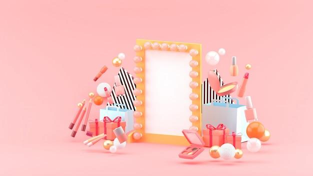 Зеркало для макияжа среди косметики и подарков на розовом пространстве
