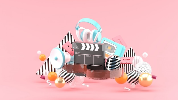 Диафильм и трещотка, фильмы и развлечения на розовом пространстве