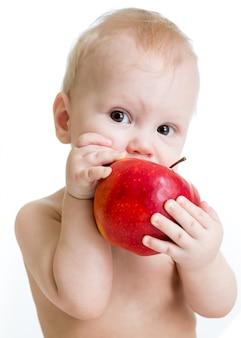 男の子食用リンゴ、白で隔離