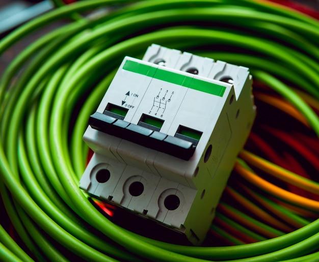 電気設備。