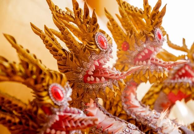 仏教のシンボル。東南アジア。タイの仏教寺院の詳細。